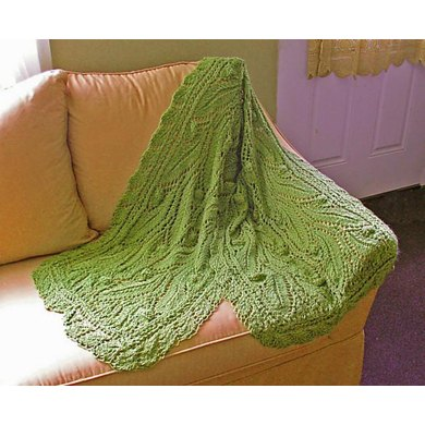 Lush lace stole with leaves & acorns