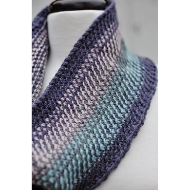 Scrappy split stitch cowl