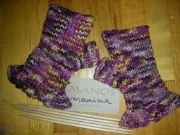 Ruffled Mitts in Manos del Uruguay Maxima Space-Dyed