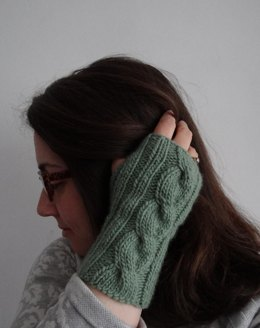 Mirror fingerless mittens