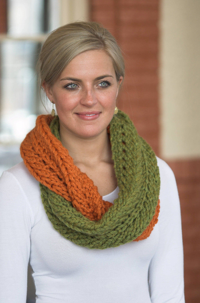 Infinity Scarf In Plymouth Yarn De Aire F368 Downloadable Pdf