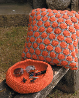 Cushions and Bowl in Wendy Serenity Super Chuky - 5749
