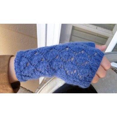 To bead or not to bead Fingerless Gloves