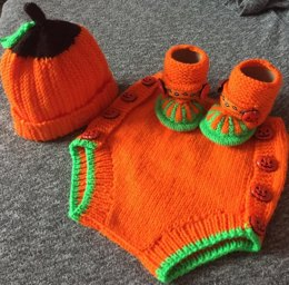 Halloween Baby Hat, Booties, Nappy Cover