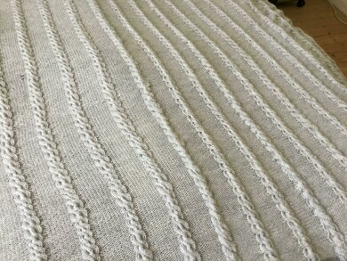 King size soft cable blanket