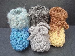 Two-Tone Baby Booties | Crochet Pattern by Ashton11