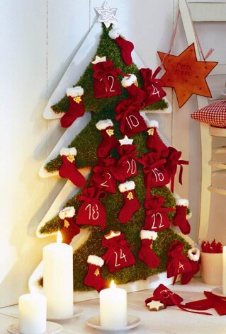 Christmas Tree Advent Calendar in Schachenmayr Brazilia, Regia 4 Ply 50g and 6 Ply - 5520 - Downloadable PDF