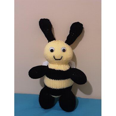 Mini Cuddly Bumble Bee Pattern