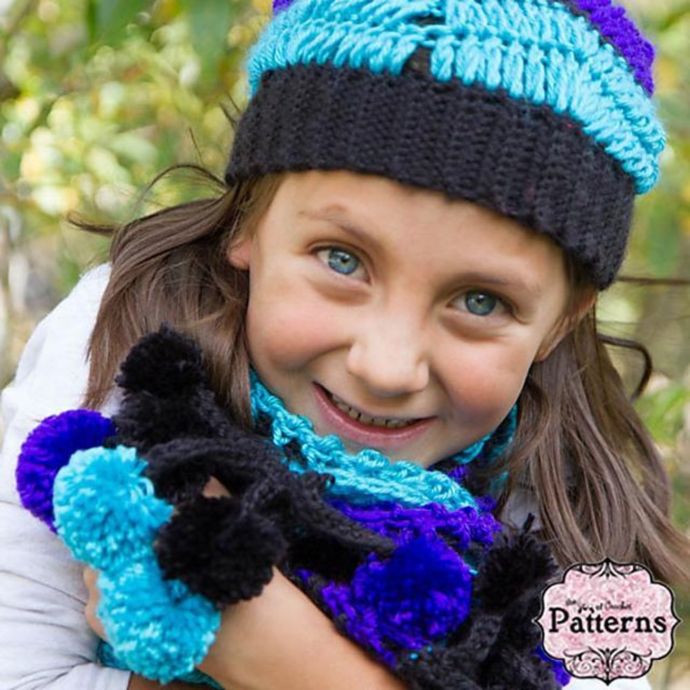 Slouchy beanie and pom pom fringe scarf crochet pattern by for Chenille grise
