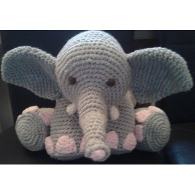 Amigurumi Heart Pillow : Elephant Amigurumi Pillow / Toy Crochet pattern by Peach ...