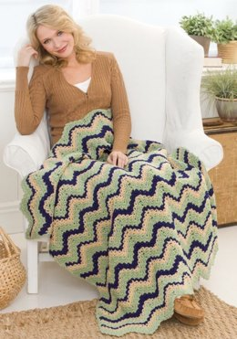 Ripple Charity Throw in Red Heart Super Saver Jumbo Solids - LW2318