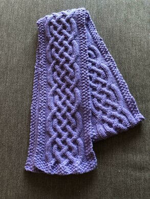 Mutti's Celtic Cable Scarf