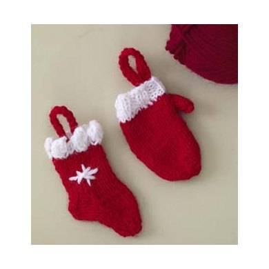 Mitten Ornament in Lion Brand Wool-Ease