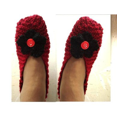 675 BASIC BEGINNER KNIT SLIPPERS AND FLOWER