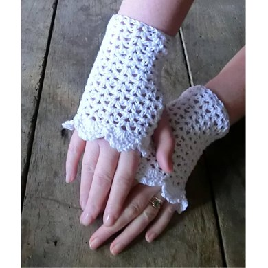 Crochet Pattern for Summer Party Cuff