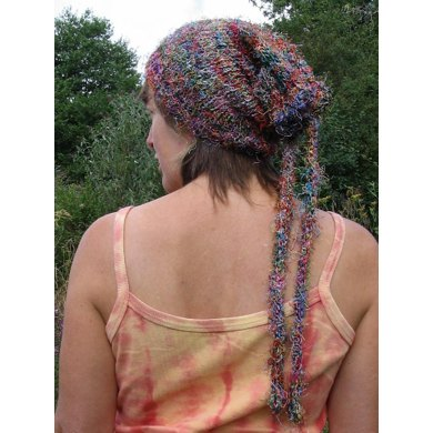 Recycled silk yarn beanie snug