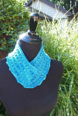 Mabou cowl (fingering weight)