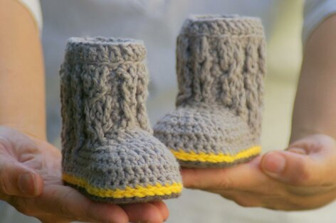 Cable Boots with Easy Cables For Baby Boys or Girls