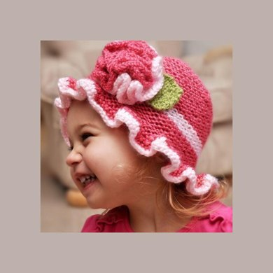 Ruffled Sunhat with Knitted Flower