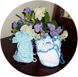 Crochet wedding reticule