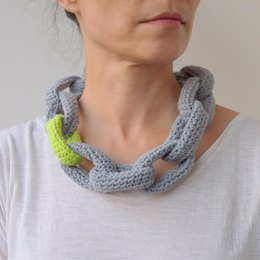 Link chain statement necklace loop scarf