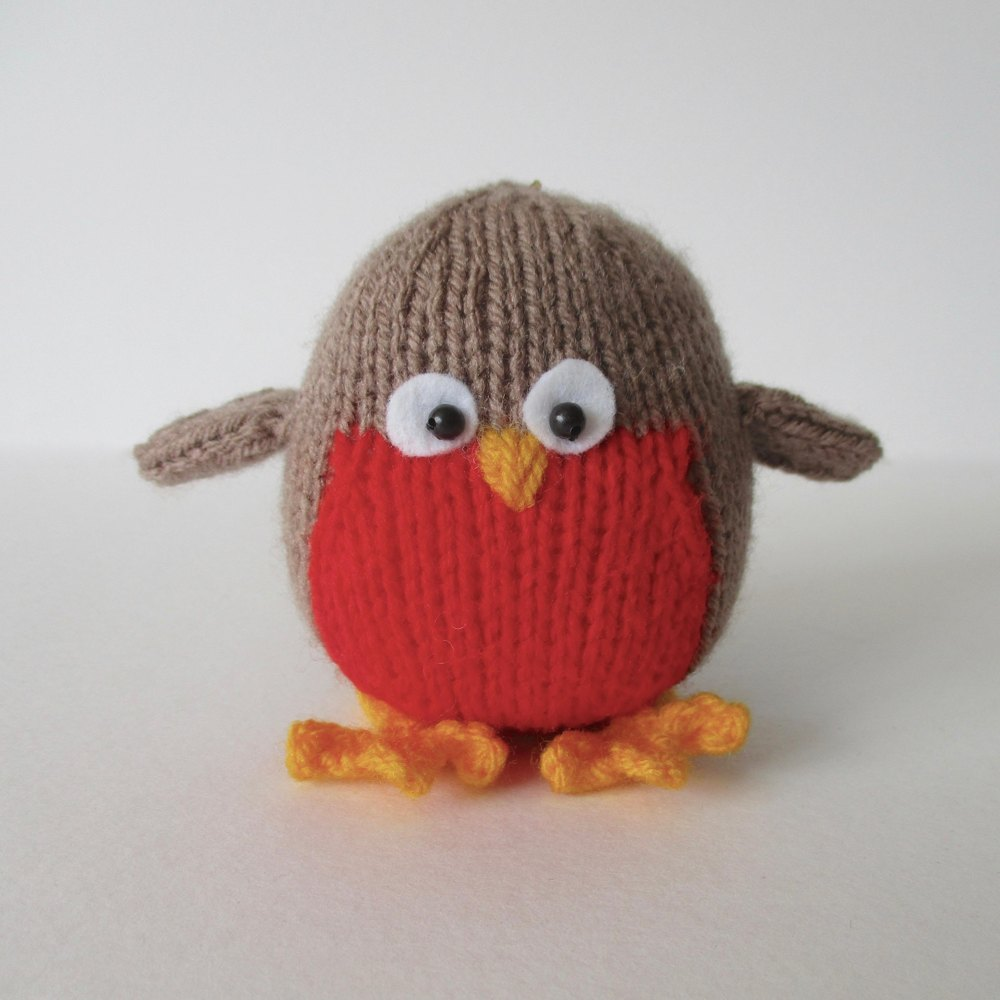 Knitting Patterns Christmas Toys : Jolly Robin Knitting pattern by Amanda Berry Knitting Patterns LoveKnitting