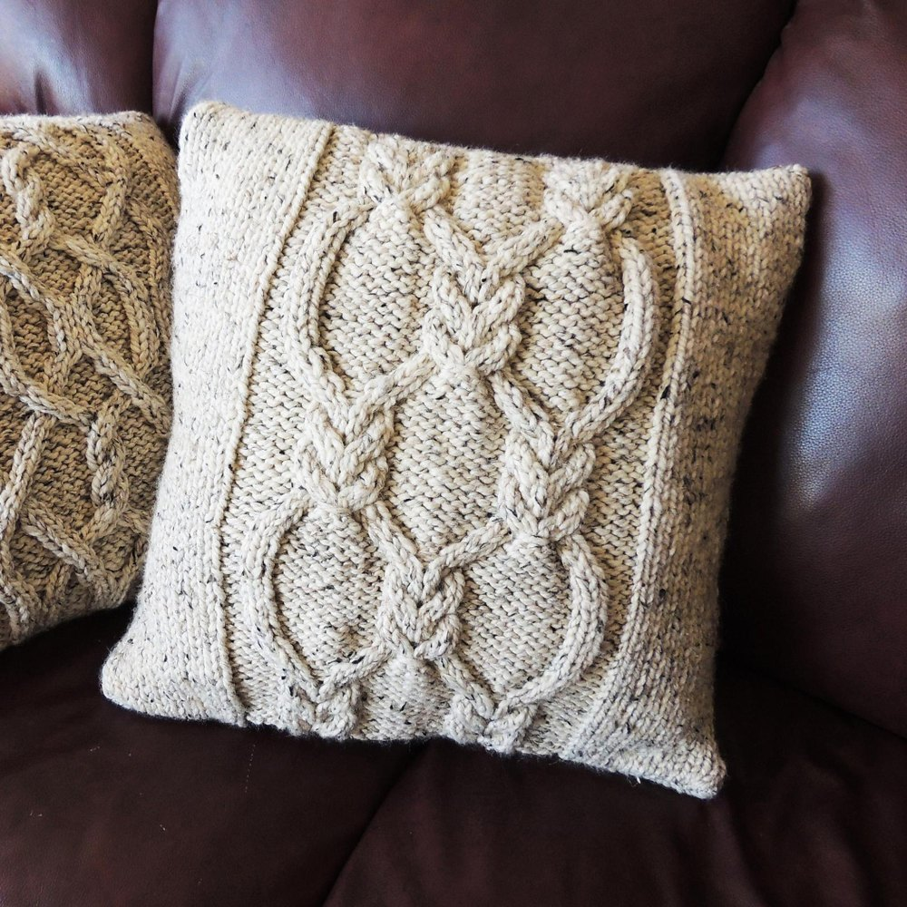 Double Knotted Lattice Cushion Cover Knitting Pattern By