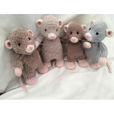 Knitting Patterns For Miniature Animals : Little Rattie Knitting pattern by Gypsycream