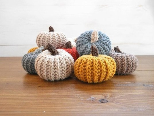 7 crocheted home decor patterns to fall for