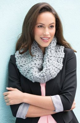 Classic Chunky Cowl in Red Heart Grande - LW4428
