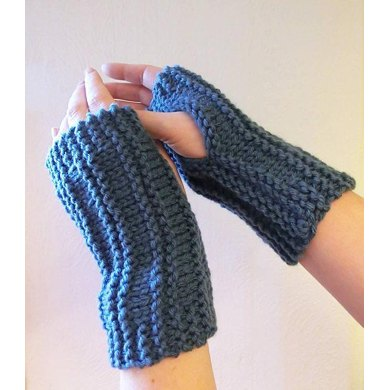 Easy Peasy Wrist Warmers Knitting Pattern By Ruth Maddock Knitting