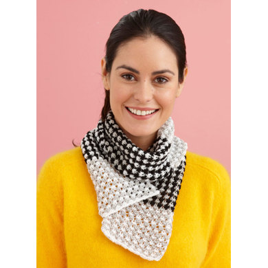Three Color Scarf in Lion Brand Vanna's Glamour - L20505