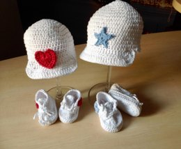 Sporty Baby Bootie and Hat Set N 231
