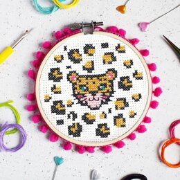 The Make Arcade Midi Cross Stitch - Leopard Face