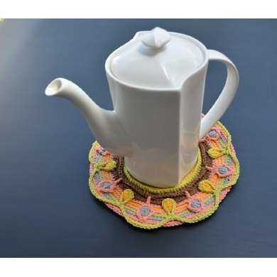 Teapot Coaster with Leaves
