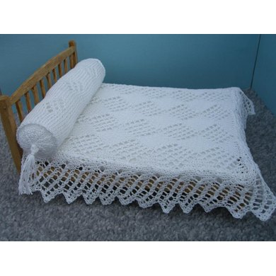 HMC26 Lacy bedcover and bolster for the dolls house
