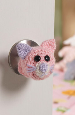 Kitty Doorknob Cosy in Red Heart Soft and Soft Baby Steps - LW4180EN - Downloadable PDF