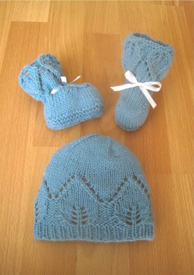 Little Princess Hat & Booties Set