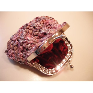 Ribbon coin purse