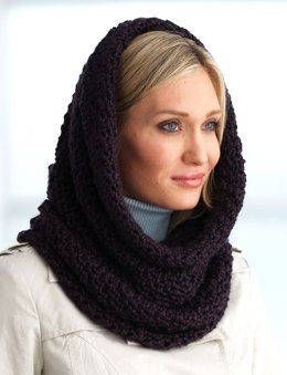 Hooded Cowl in Bernat Alpaca