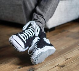 001-Cool crochet slippers converse style