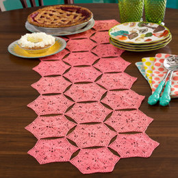 Flower and Fan Table Runner in Aunt Lydia's Classic Crochet Thread Size 10 Solids - LC3899
