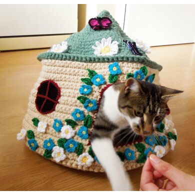 Free Crochet Cat Bed Patterns to make, cat caves, donuts, pouffes ... | 390x390
