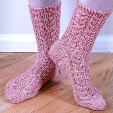 Seeded Cable Socks