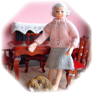 1:24th scale Ladies jumpers and skirt