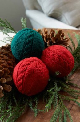 Cabled Holiday Balls in Aunt Lydia's Classic Crochet Thread Size 10 Solids - LW3676