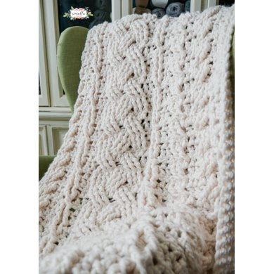 Heirloom Cabled Throw