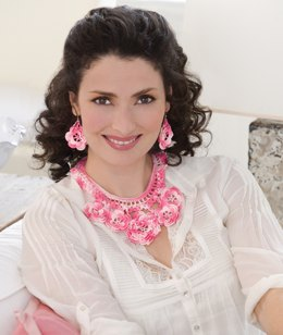 Wild Irish Rose Necklace & Earrings in Aunt Lydia's Classic Crochet Thread Size 10 Shaded - LC2435