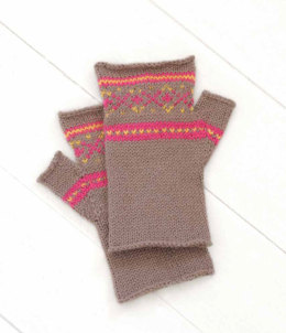 Sporty Mitts in Blue Sky Fibers Sport Weight
