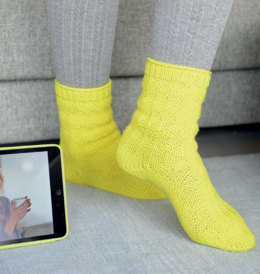 Socks with Textured Pattern in Regia 6-Ply Digital Touch - R0265